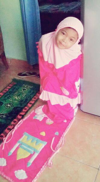 rina-rahan-mukena-hello-kitty-pink2